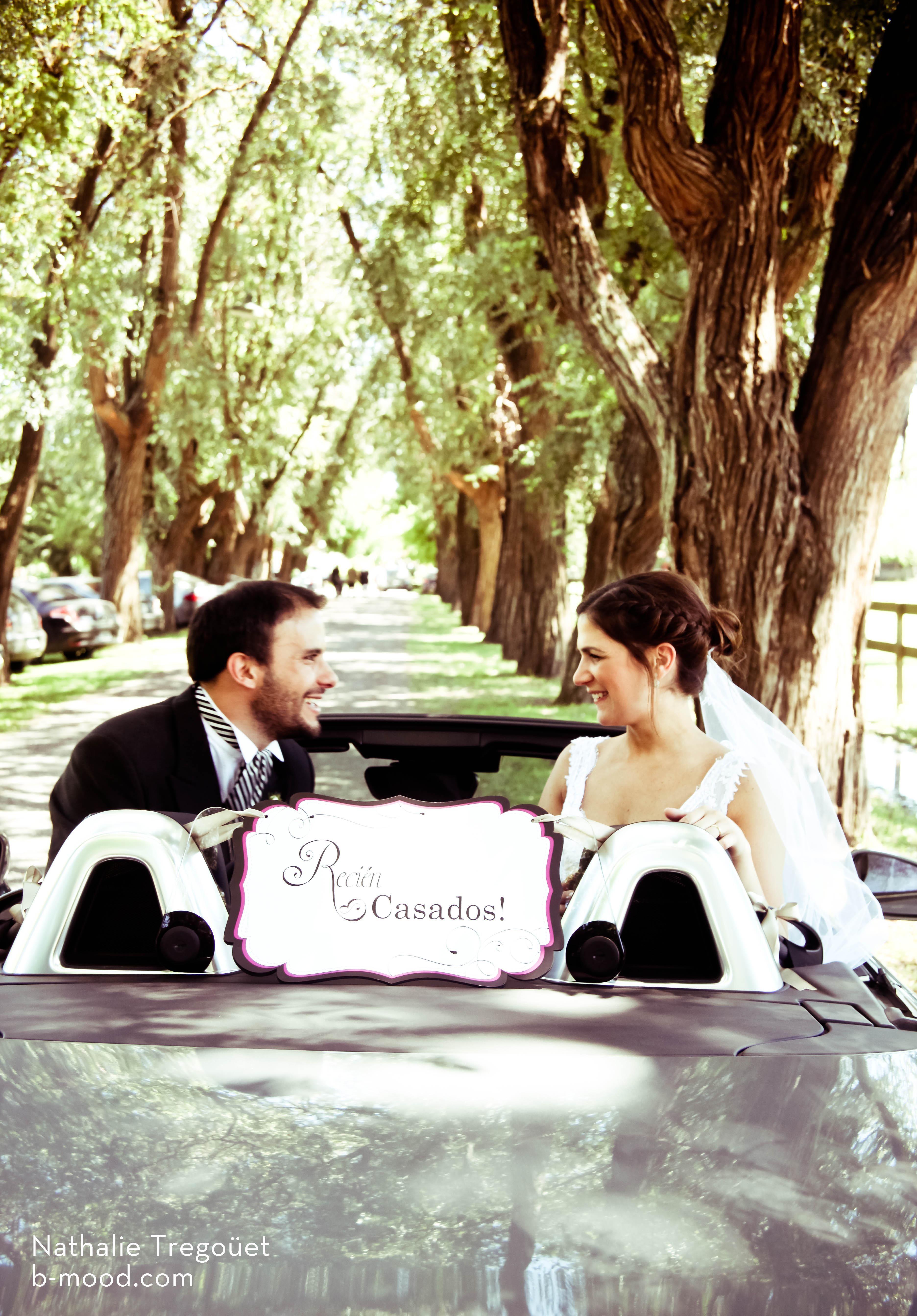 cartel de recién casados para auto