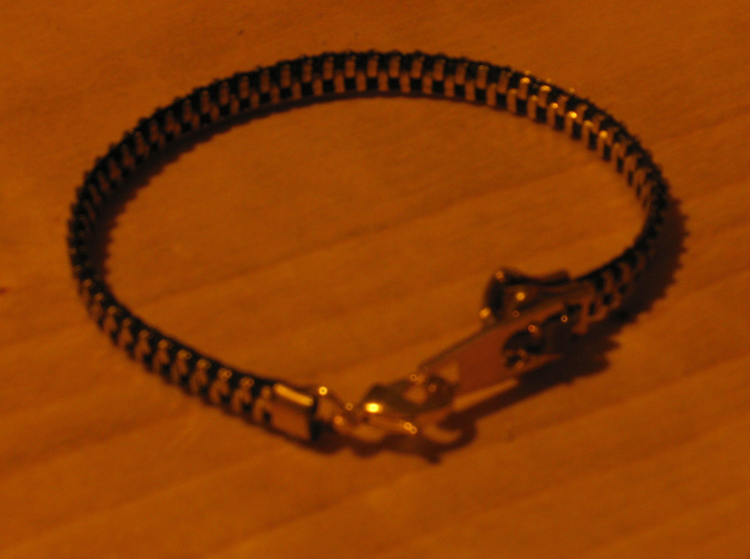 Zipper bracelet - cute!