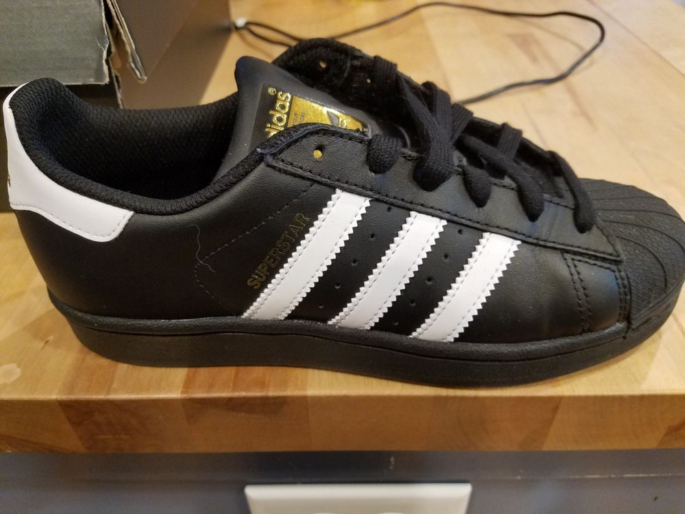 adidas superstar black white 4.5
