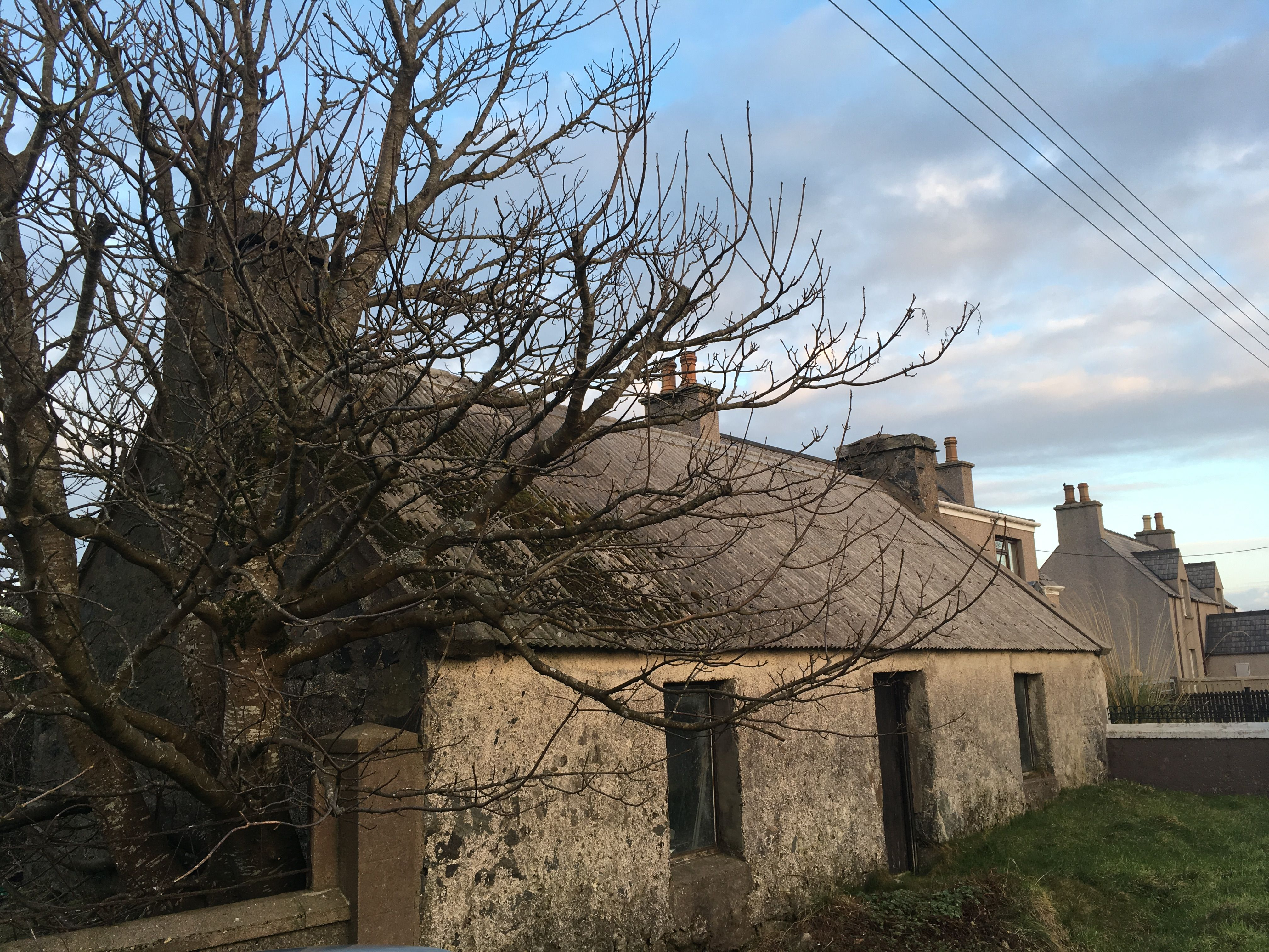 Pin By Robert Brennan On Cottages Scottish Cottages Outdoor Outdoor Structures