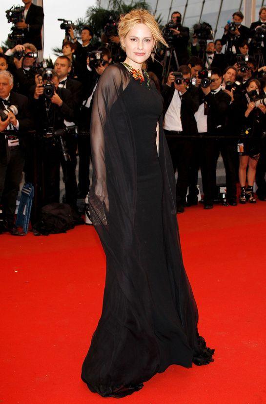 Cannes 2012 - Aimee Mullins - Day 10 (montée des marches Cosmopolis)