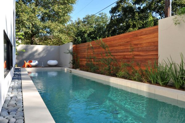An L Shaped House In Houston Texas Pool House Designs Modern Pools Pool Designs