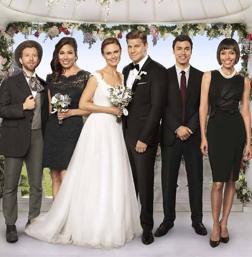 The Cast Of Bones At Booth Brennan S Wedding Booth And Brennan Bones Tv Show Booth And Bones