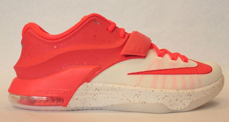 Get a first look at the Nike KD 7 Christmas at NiceKicks.com. This