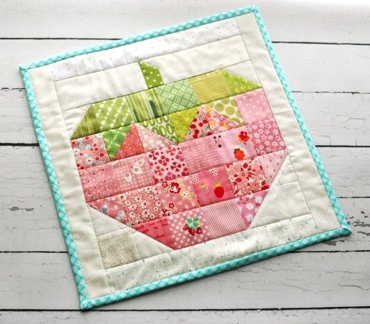 retro mama - mini strawberry quilt - pattern is in 'Farm Girl ... : lori holt quilt patterns - Adamdwight.com