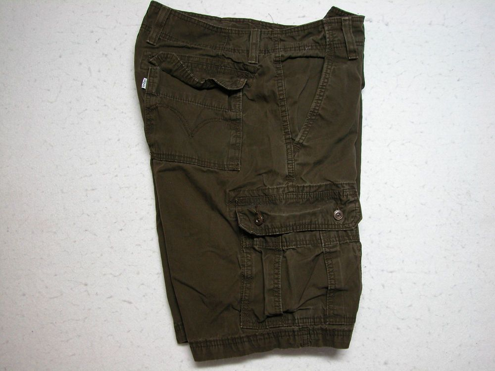 Mens Levis Brown Cargo Shorts Sz 36 100% Cotton ( Measure 36X11 ) #Levis #Cargo