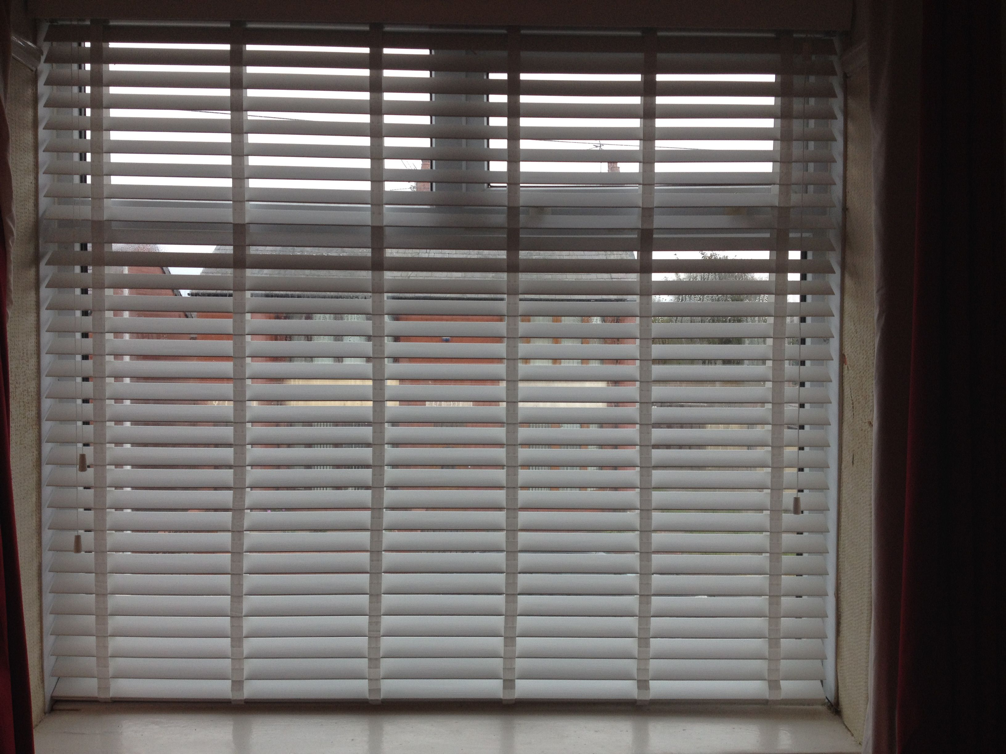 inch wood blinds window mahogany grain blind dd white maple mini madera falsa plantation itm faux