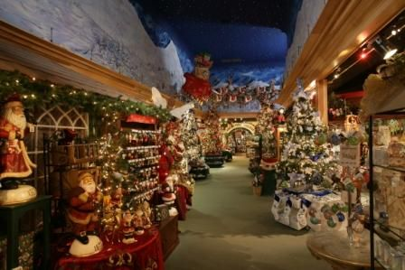 Pigeon Forge, TN - Incredible Christmas Place | Travel - Favorite ...