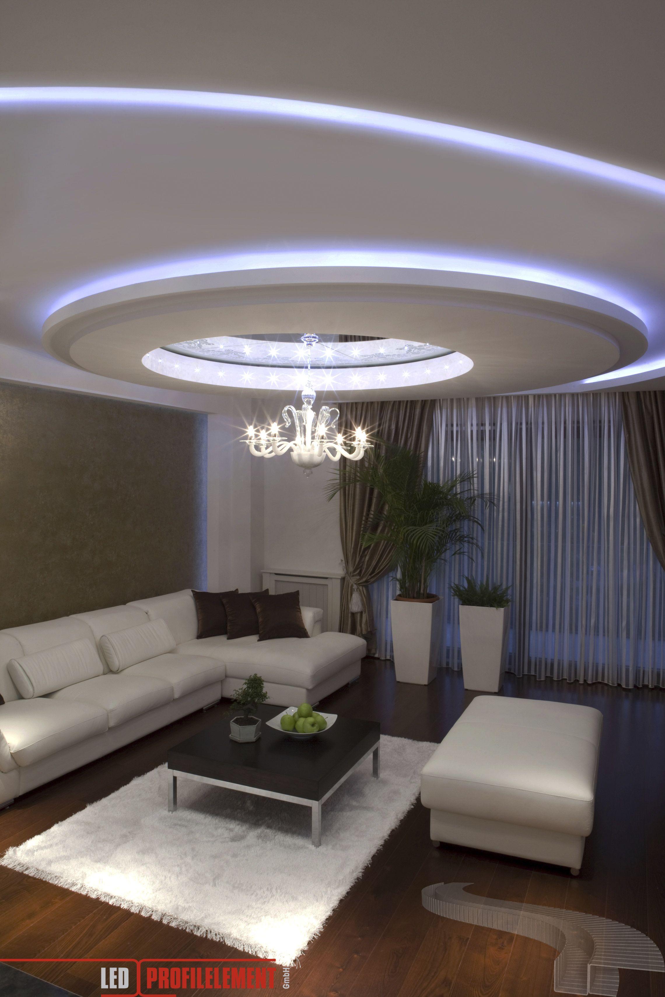 Interior design-ideen wohnzimmer mit tv die flexibilität der ledprofile in verbindung mit den stripes