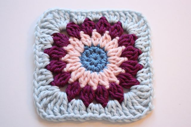 Cherry Heart: Blog: Rosie Posie Grannie Square Tutorial | Crochet ...