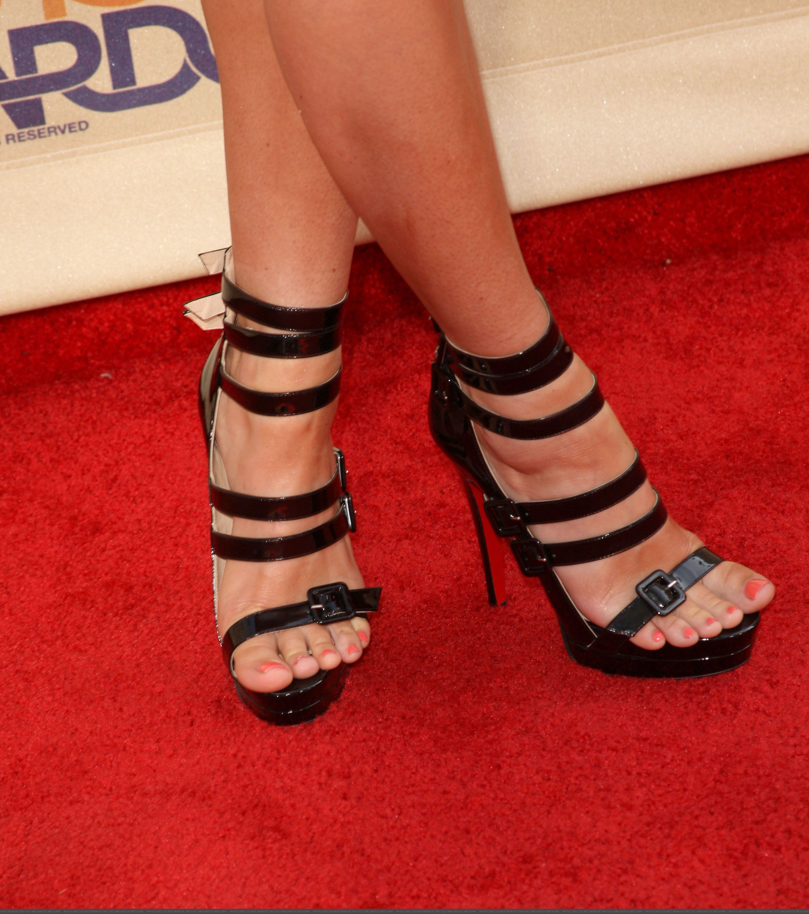 befd2b10b07 the goddess feet of megan fox in glorious sandals. | Love that style ...