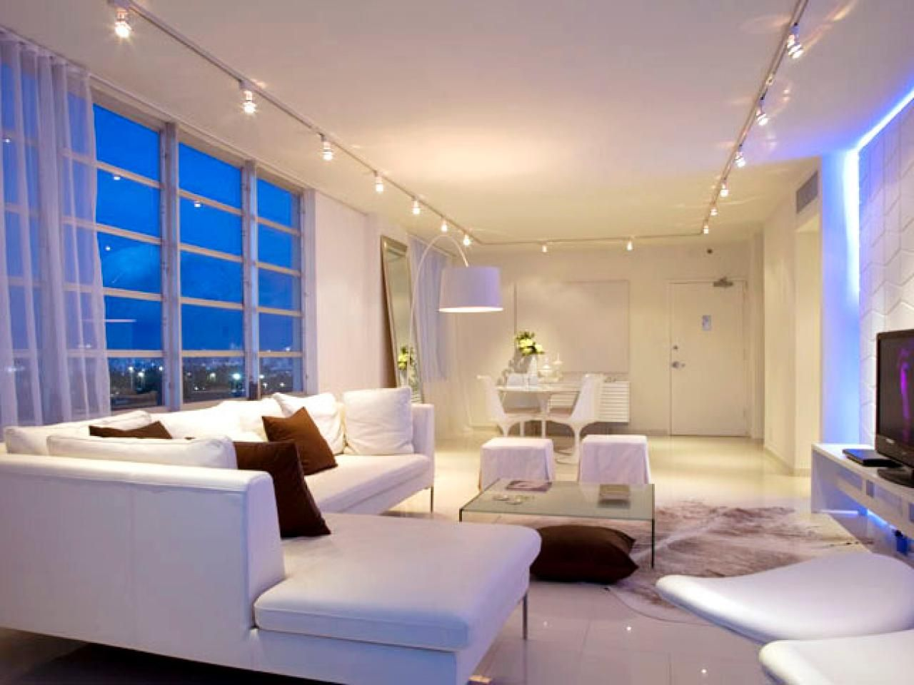 Elegant Living Room Lighting Tips