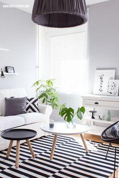Wohnzimmer News Und Online Raumplaner RoomSketcher  Schwarz, Weiß, Holz.  Teppich
