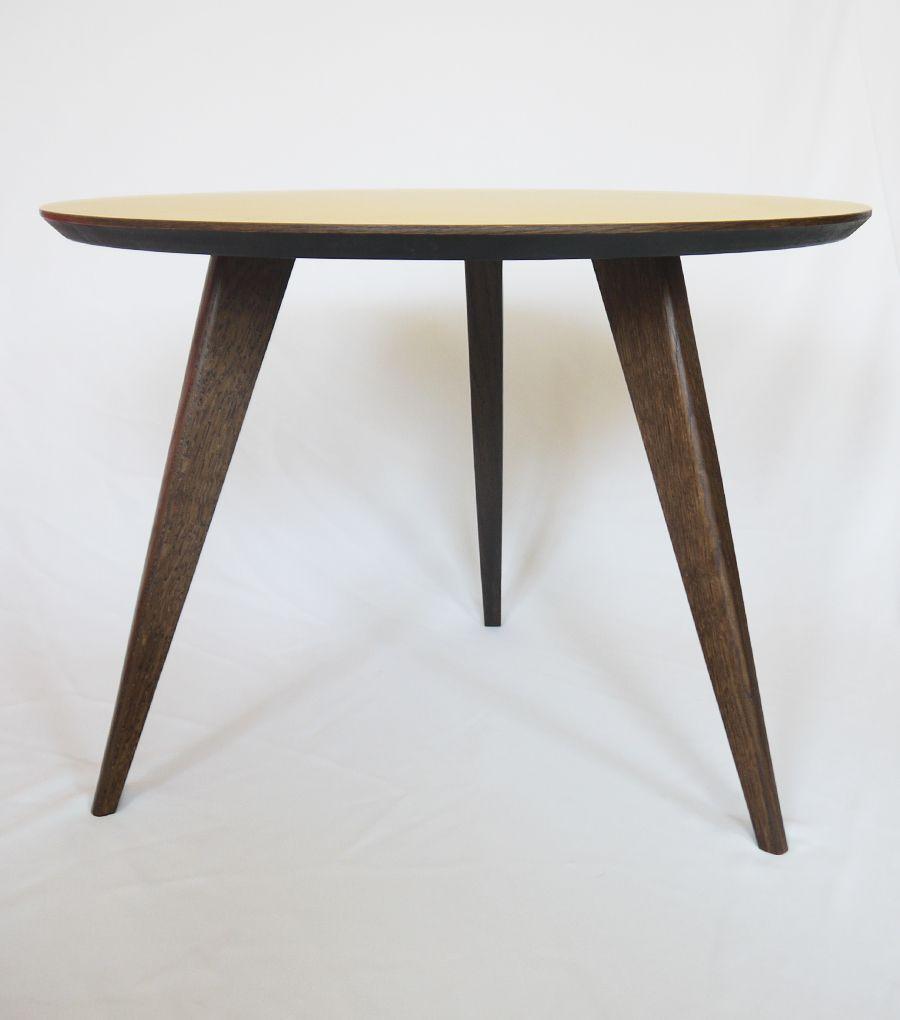 table basse tripode design vintage jaune - French Furniture vue de ...