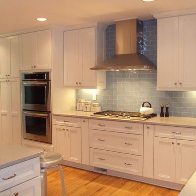 Best Kraftmaid Shaker Cabinets White Design Pictures Remodel 400 x 300