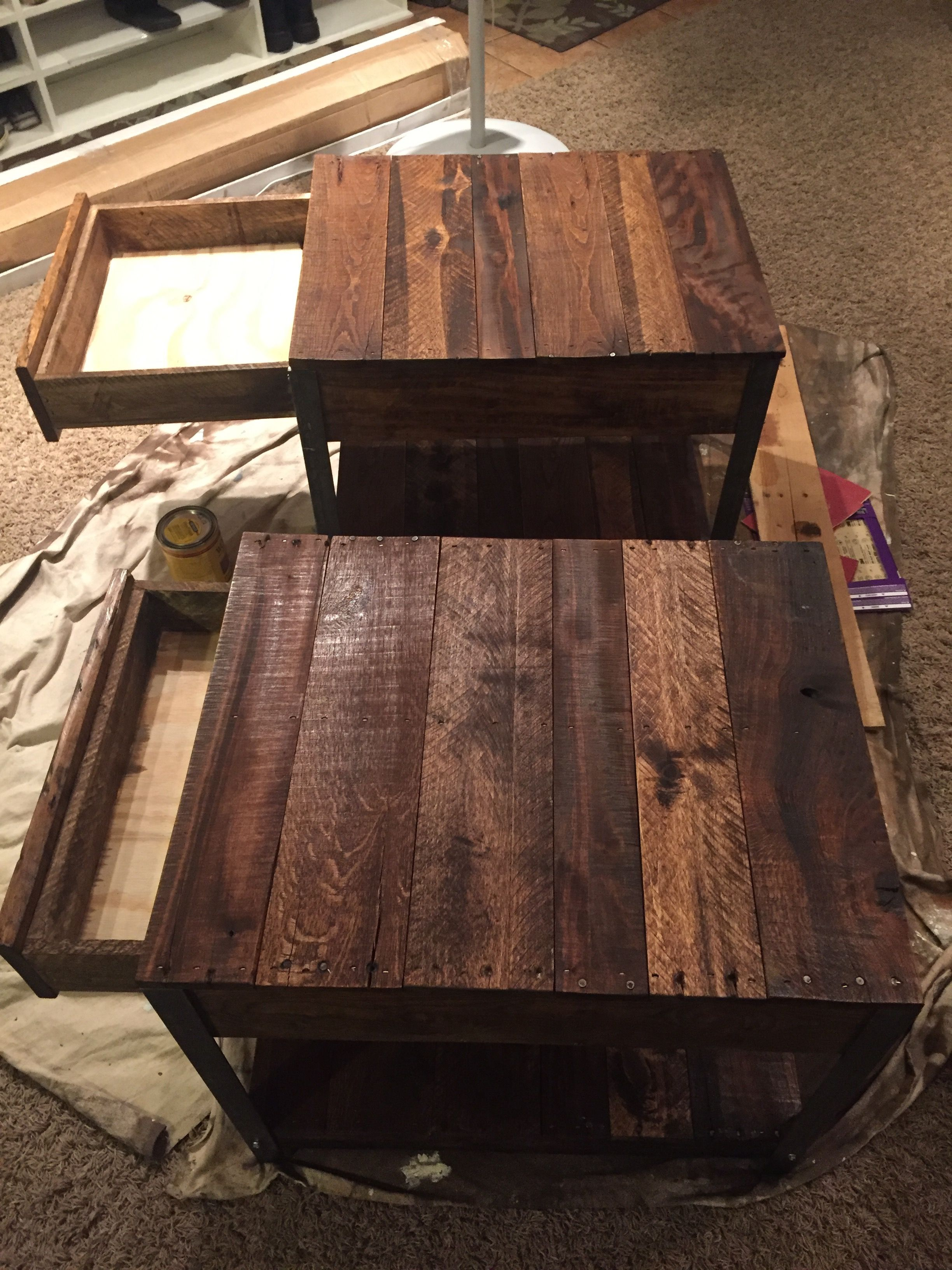 Diy Side Tables Made From Pallet Wood And Angle Iron Diy Side