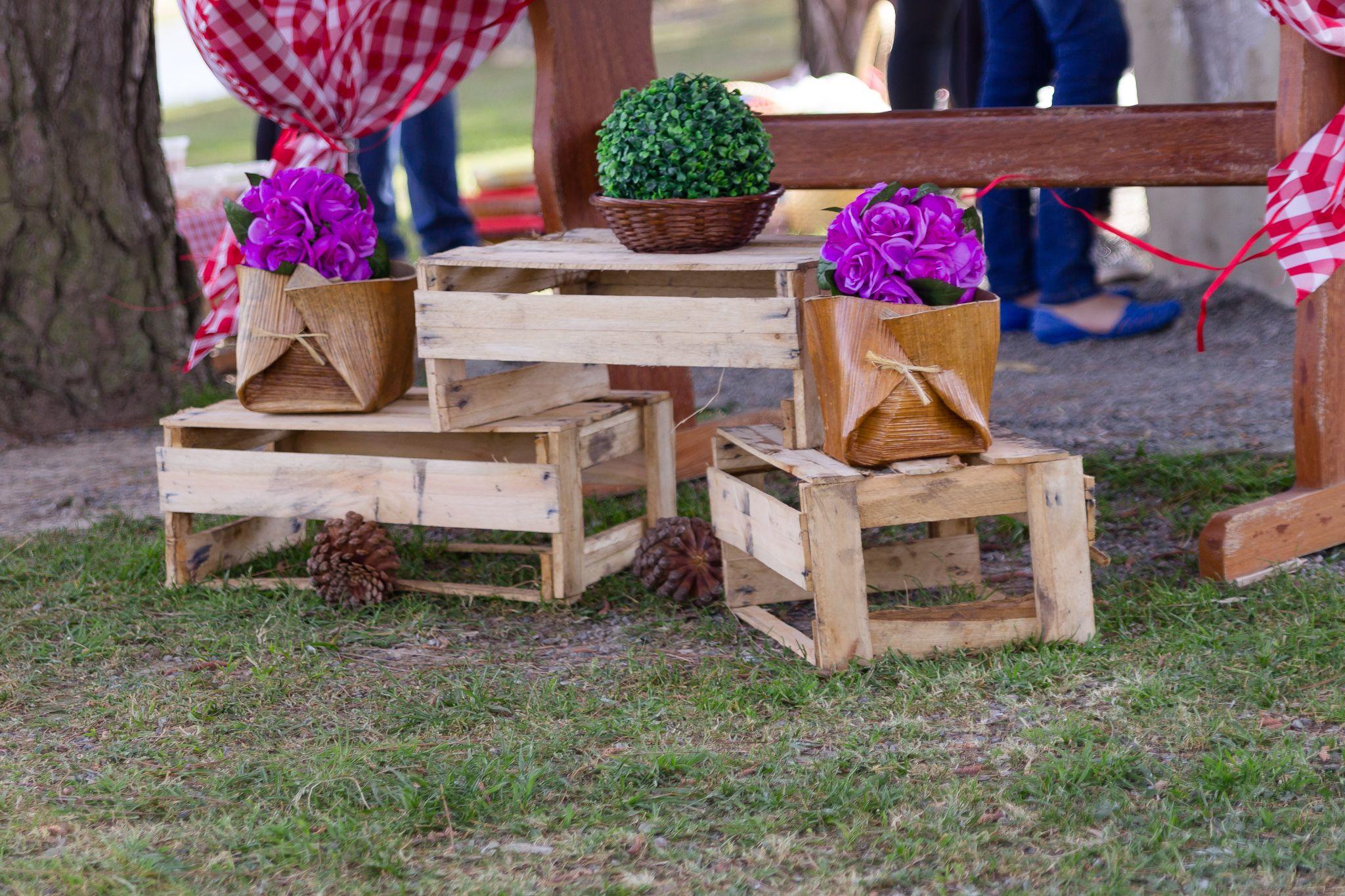 Caixotes de madeira na festa PicNic