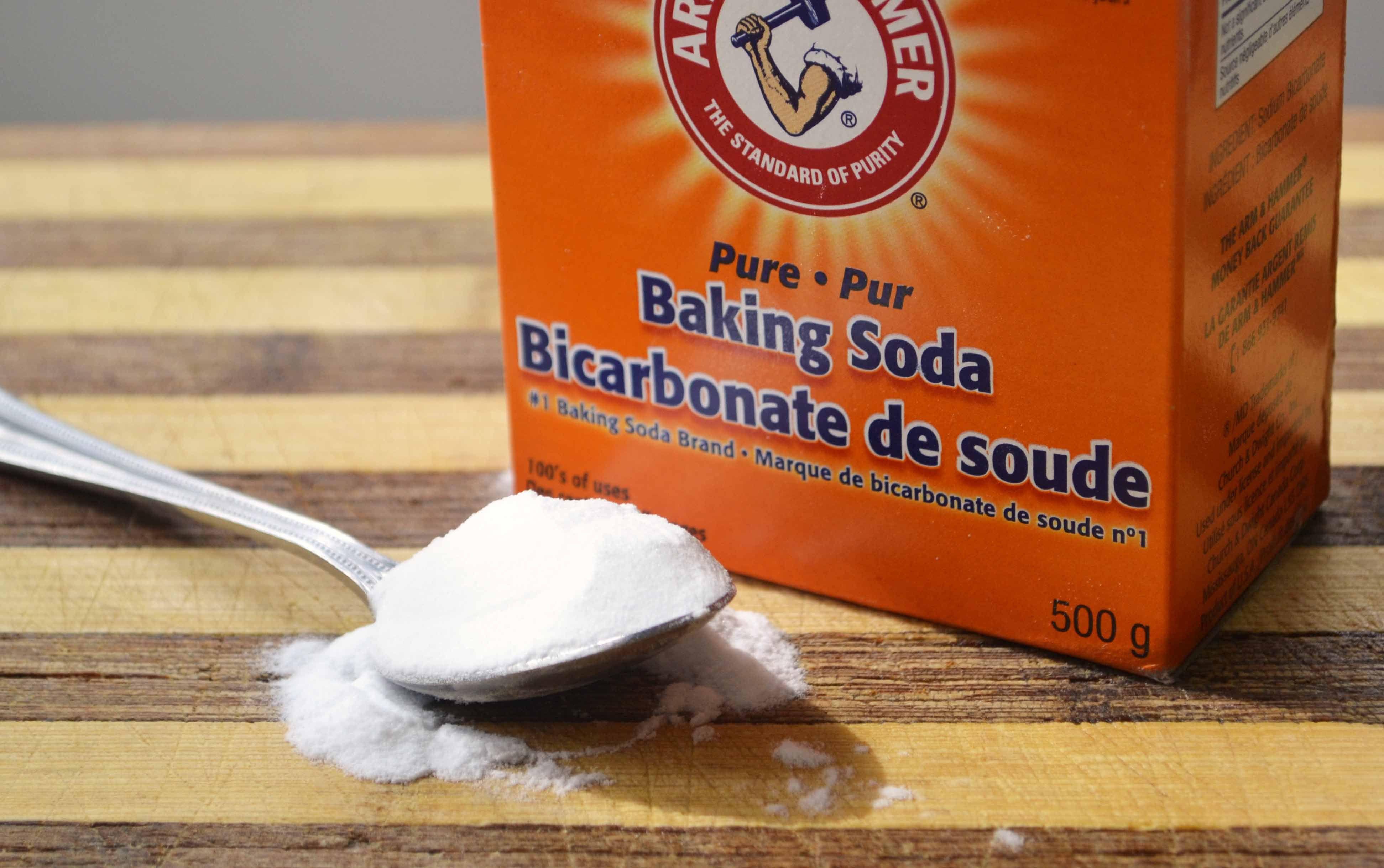 Badkamer: baking soda werkt als een veilig en effectief schuurmiddel ...