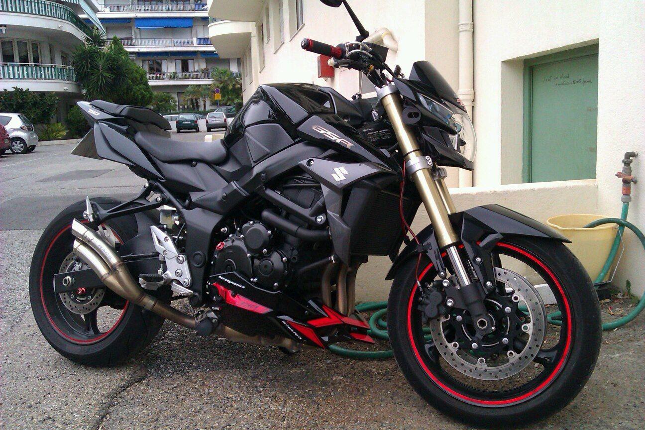 GSR 750 | Moto voiture, Voitures et motos, Moto et motards