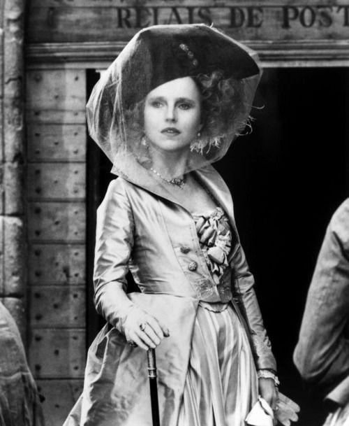 Hanna Schygulla in Ettore Scola's La nuit de Varennes (1982).