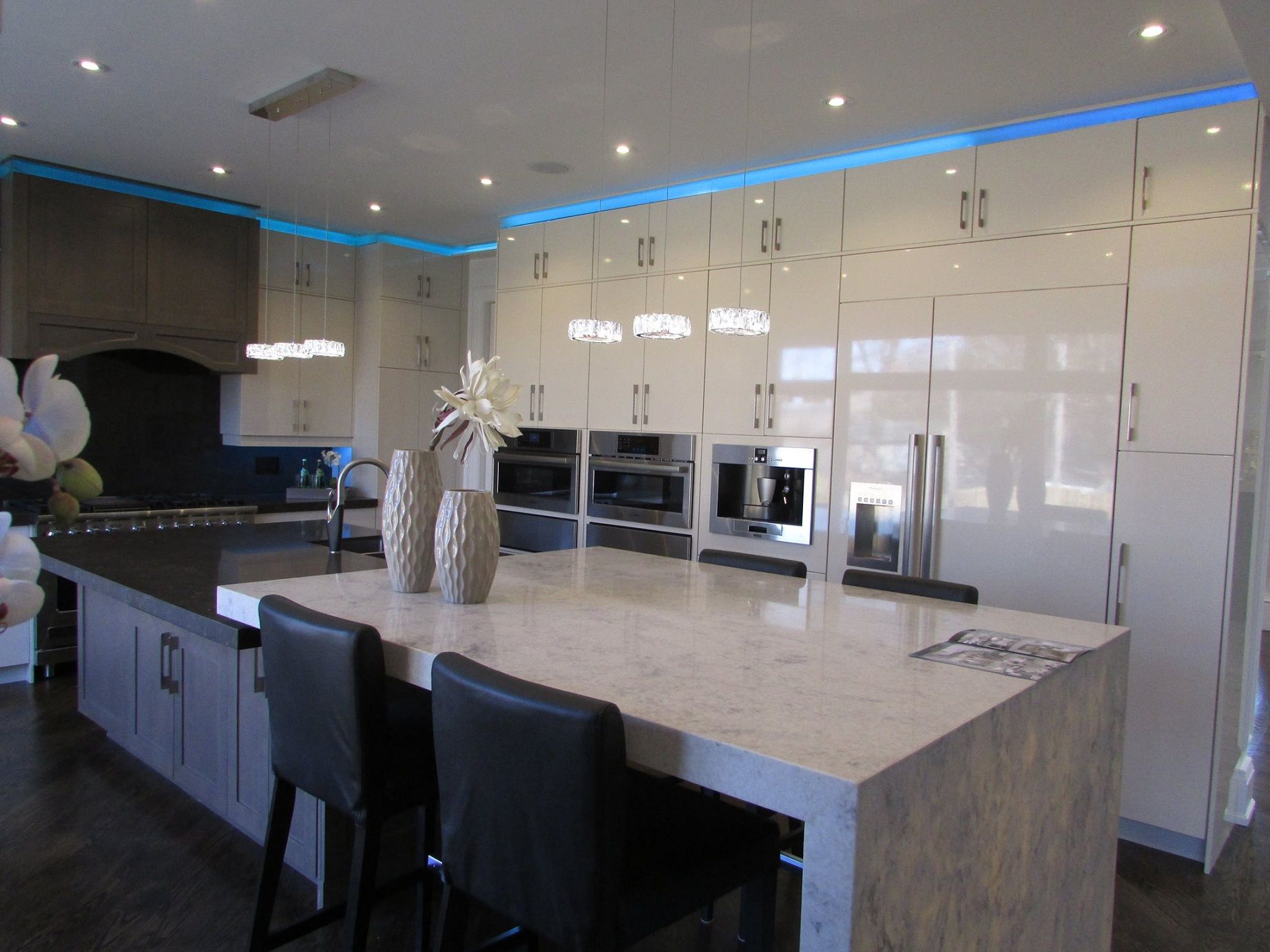Example of a trendy kitchen design - This Is An Example Of Other Trendy Kitchen Design