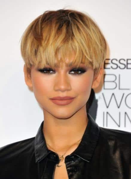 60 Mushroom Haircuts For Girls To Freshen Up Look 2020 In 2020 Kids Hairstyles Dark Skin Blonde Hair Girl Haircuts
