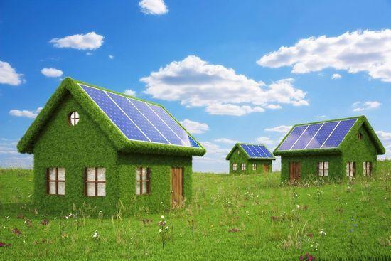 Om energie te besparen kunnen er zonnepanelen geplaatst worden op daken van woningen.