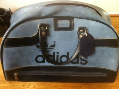 b01e7b711f71 Vintage Adidas Peter Black Sports Bag   Holdall   Weekend Bag in Navy Blue