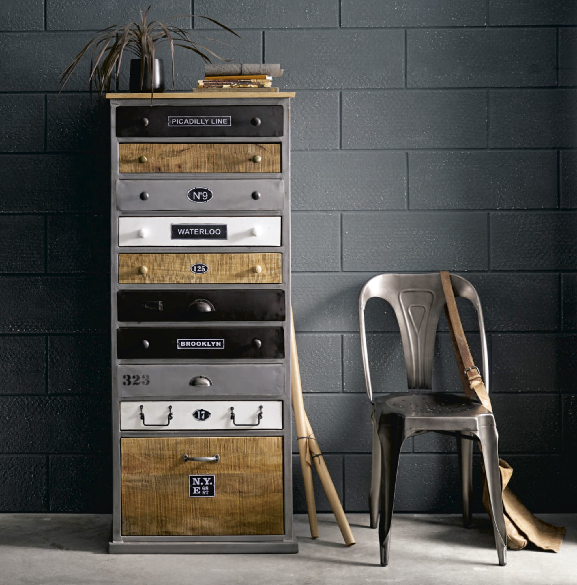 Kommode Aus Holz In Antikoptik B 59 Cm Lazare Lazare Maisons Du Monde Kommode Home Design Holz