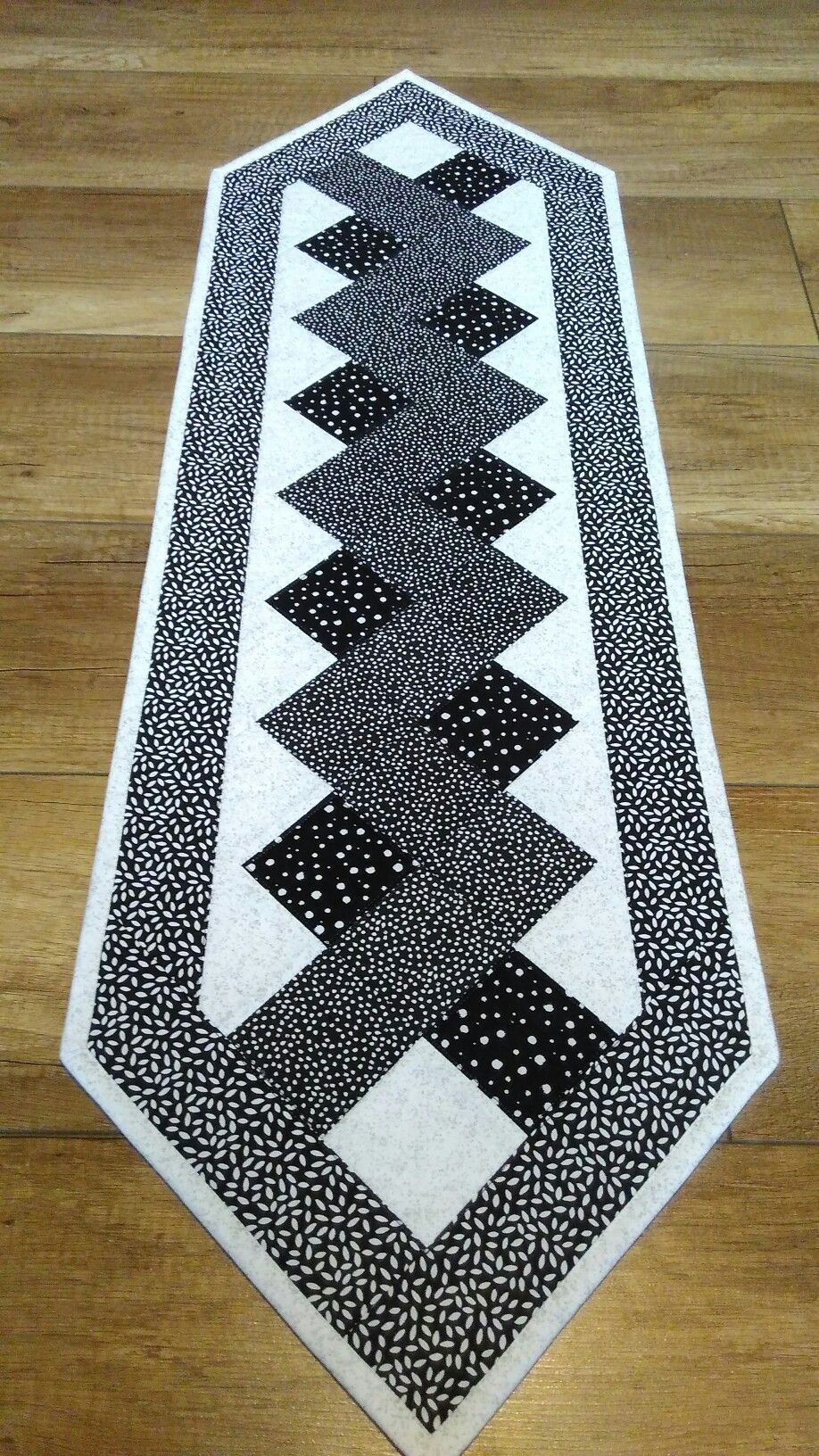 Pin De Aida En Patrones Pinterest Table Runners Quilted Table
