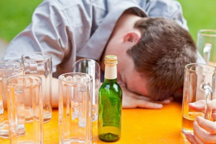 Hanging out with friends is often followed by a few cups of your favorite alcohol.  Those having a bigger sense know when to stop drinking, but for those a bit exaggerating, here are some tips to deal with the hangover the next morning.