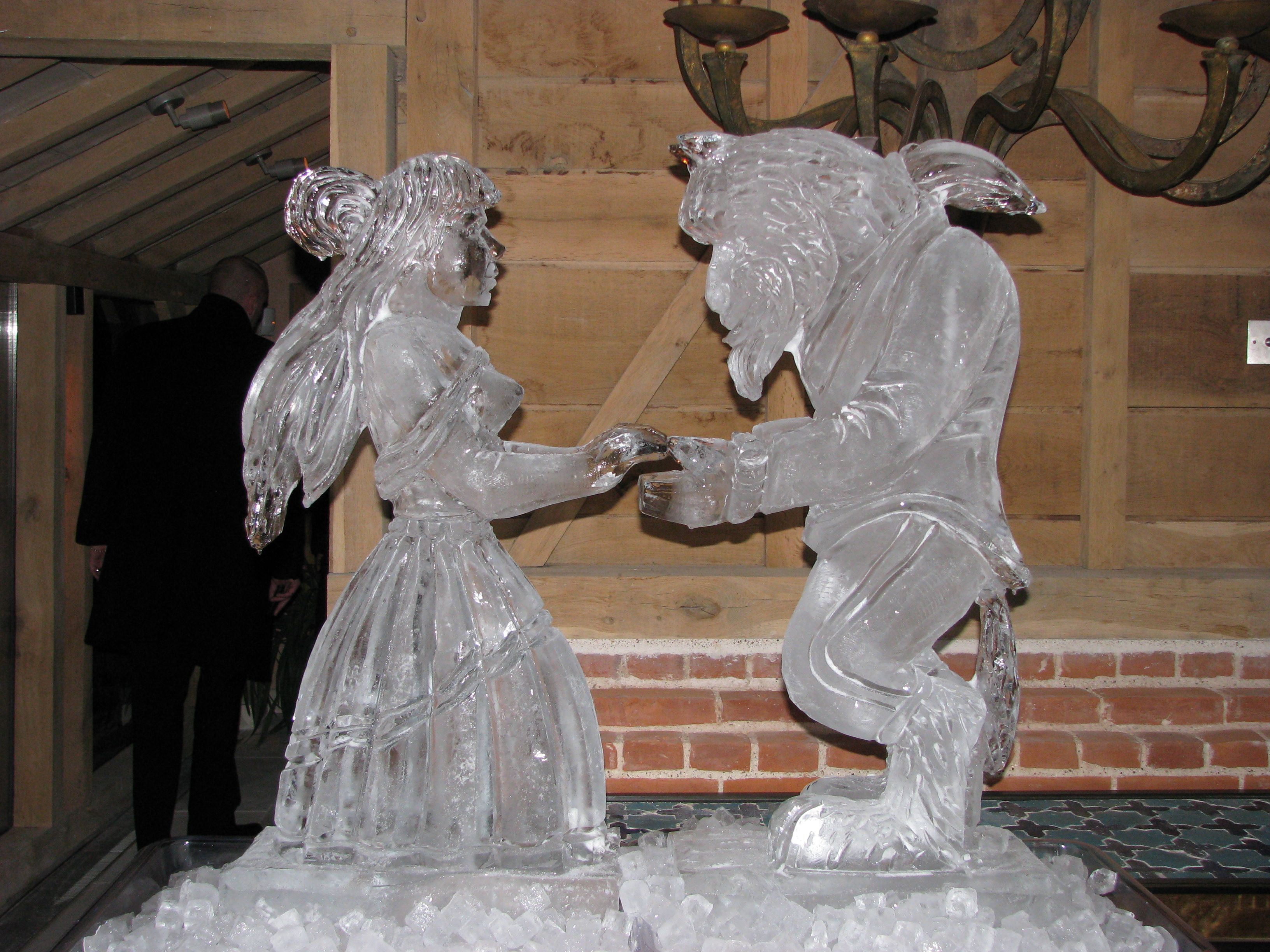 Set Your Wedding Reception Apart From Others By Adding Ice Sculptures Or Table Centre Pieces To Decorations