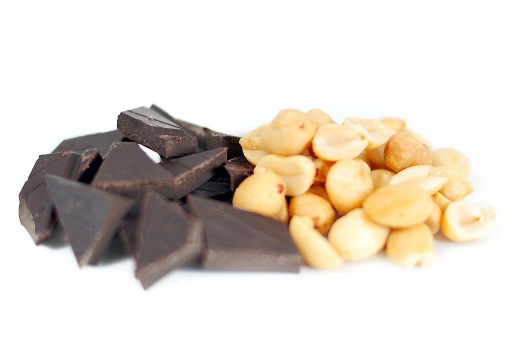 Pindarotsjes zelf maken van pure chocolade - gezonde snack -02