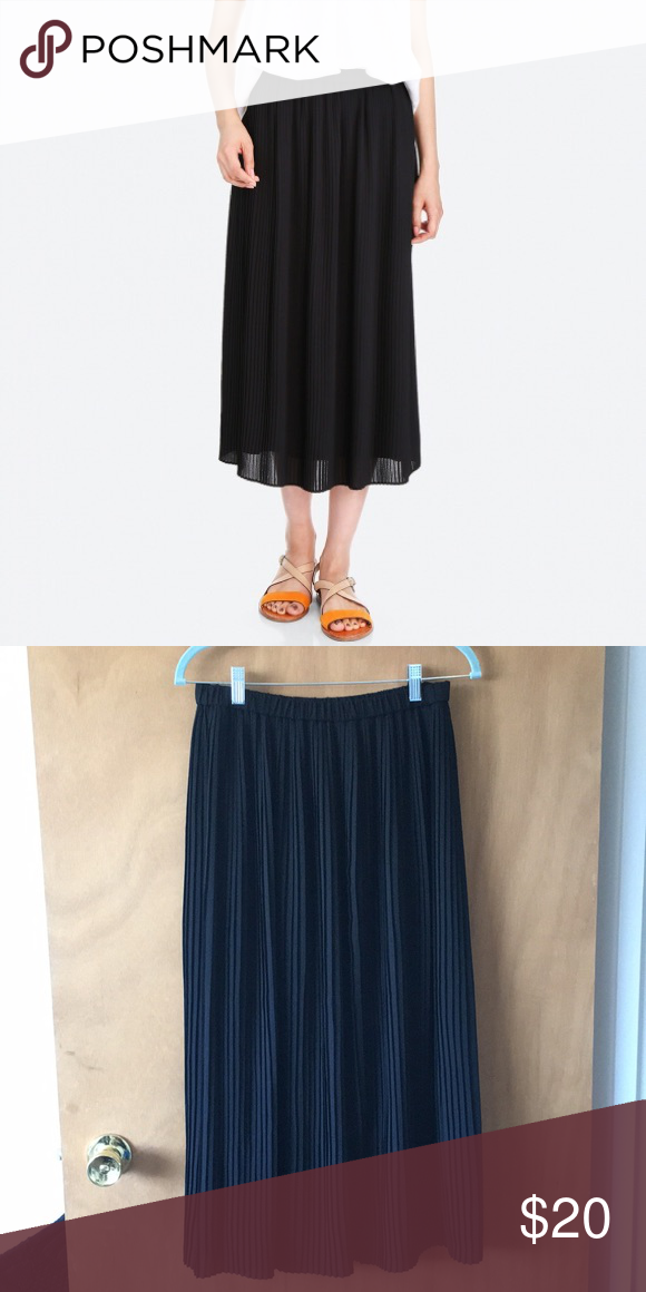 da14efa845 Uniqlo High-waist Chiffon Pleated Skirt Like new condition. Only worn a few  times. Uniqlo Skirts Midi