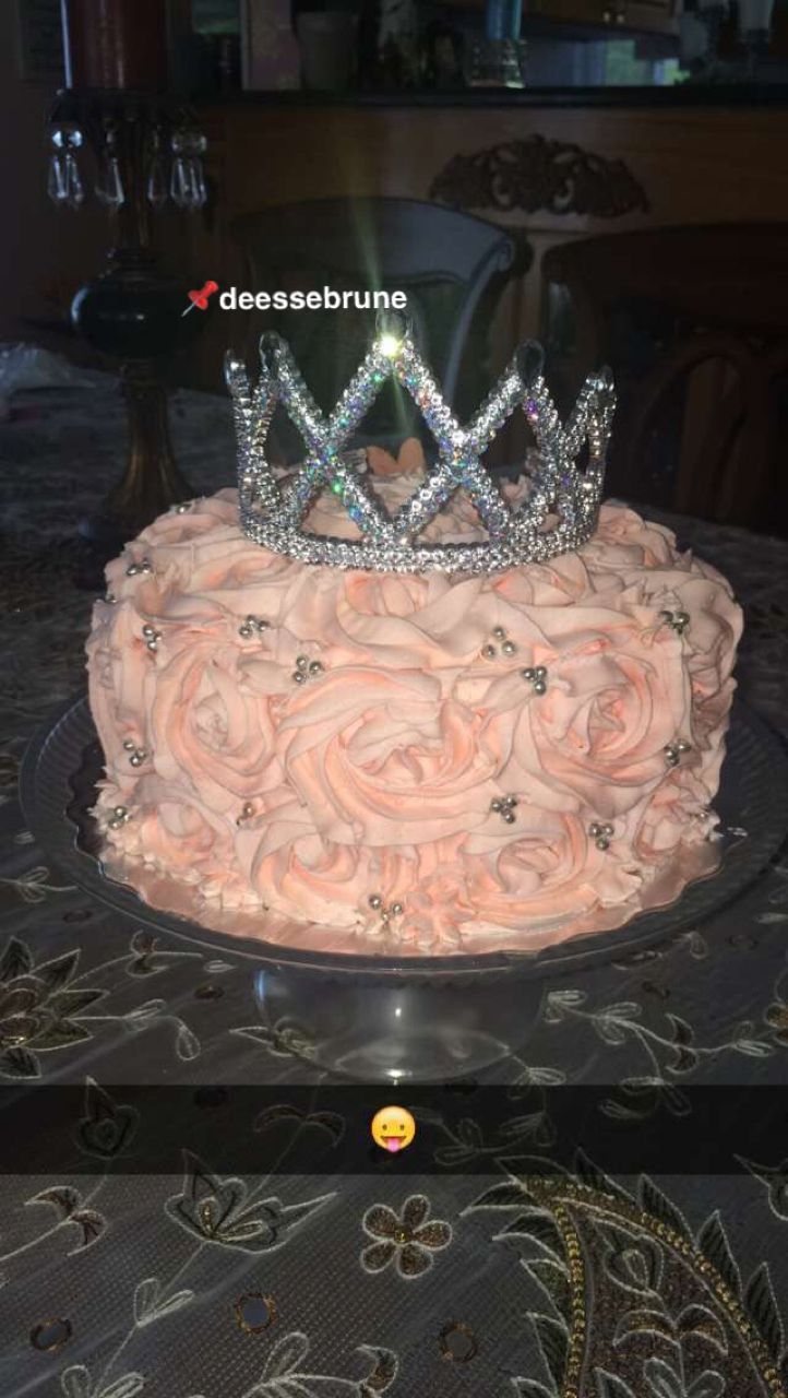 Pin By Tahj Cupcakes On 23 24 Or 25 26 Birthday Ideas 17