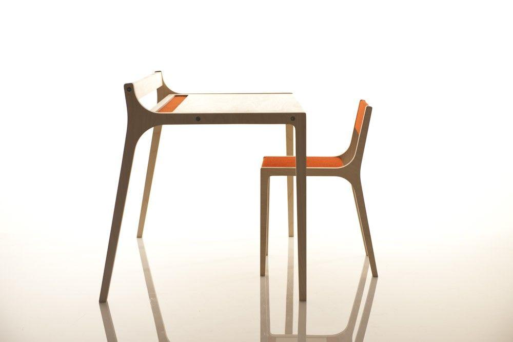 Køb Sirch: Sibis Skrivebord & stol i lamineret birk med filt overflade (sæt) her - Mimi´s Circus