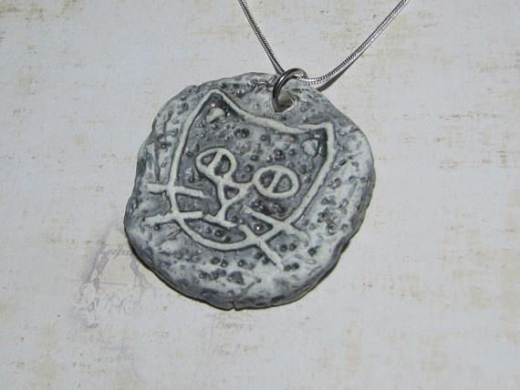 rock cat ceramic pendant handcrafted granite effect engraved all things cat jewelry pinterest ceramic pendant and cat