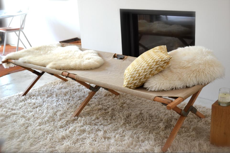 past present ancien lit de camp picot m a i s o n pinterest lit de camp lits et. Black Bedroom Furniture Sets. Home Design Ideas