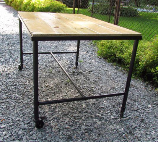 TABLE SUR ROULETTES POUR CUISINE, SALLE À MANGER, ILOT autre - rangement salle a manger