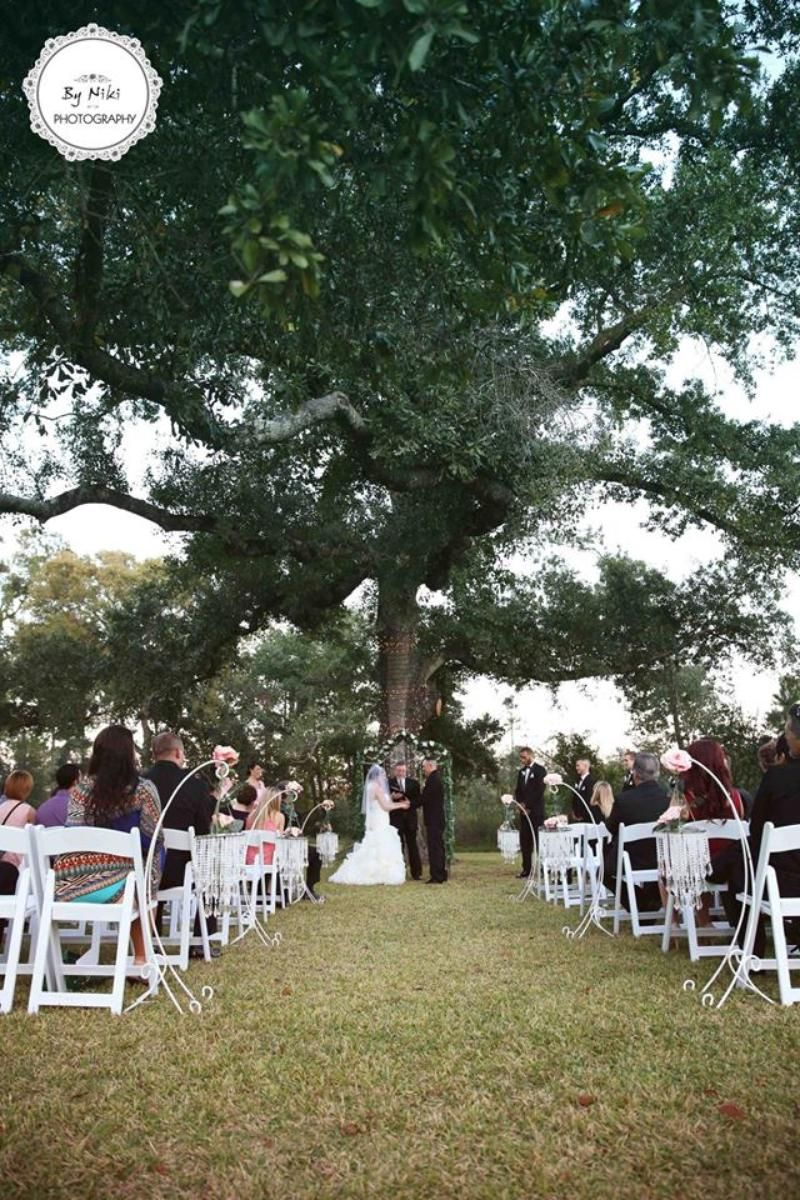 Weddings At La Tranquila Ranch In Tomball Tx Wedding Spot Wedding Venue Houston Wedding Venue Prices Wedding Venues