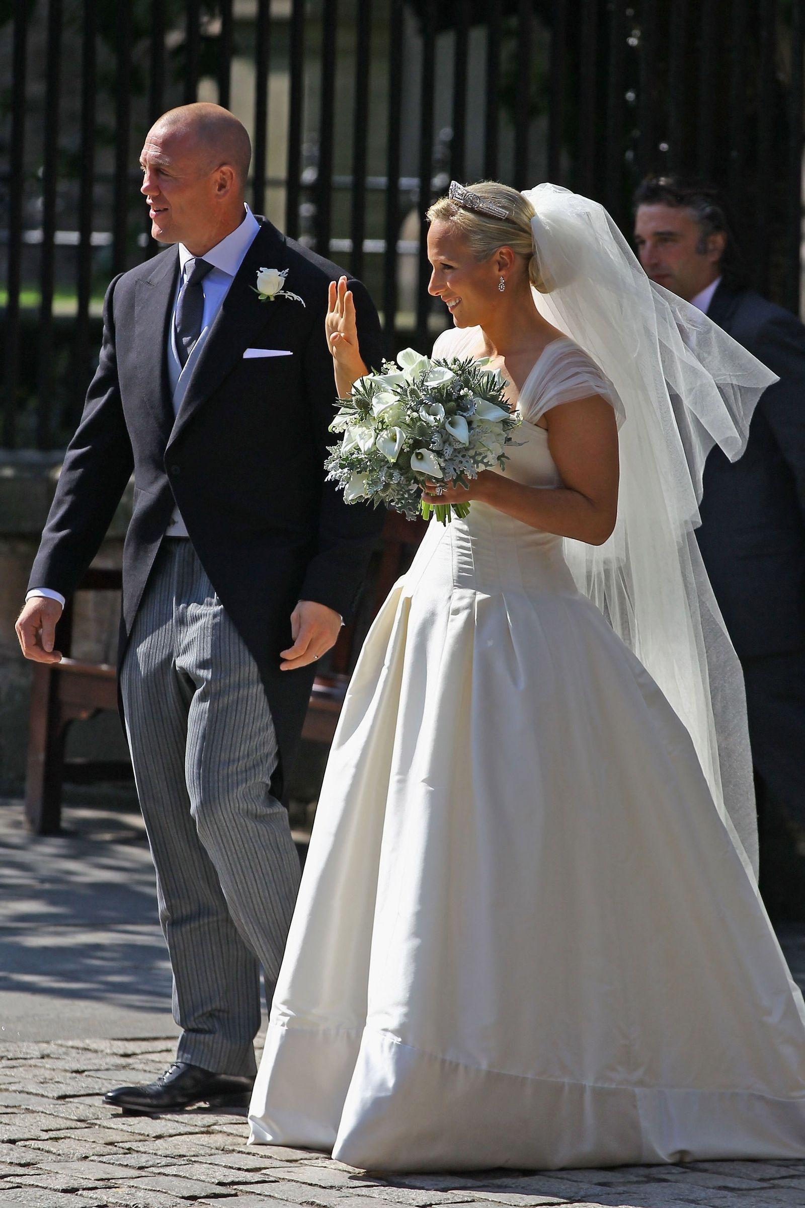 zara tindall wedding dress off 20   medpharmres.com
