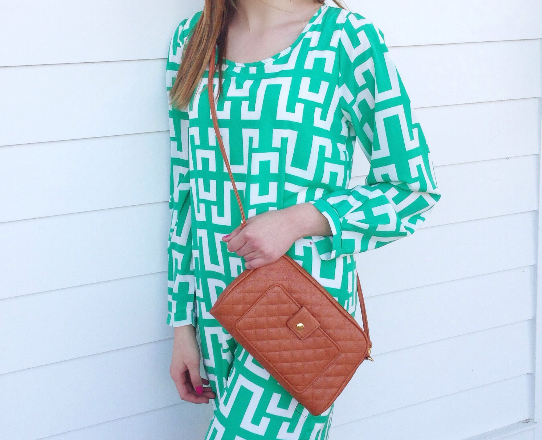 Green dress night out  Green and white dress with a brown Crossbody bag Cute outfit for a