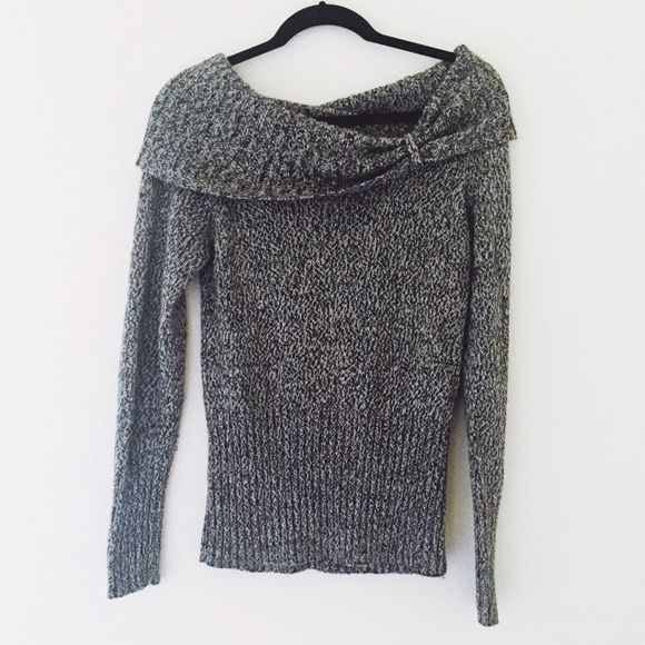 2X HP 🎉 Gray Sweater | Cowl neck, Shoulder and Conditioning