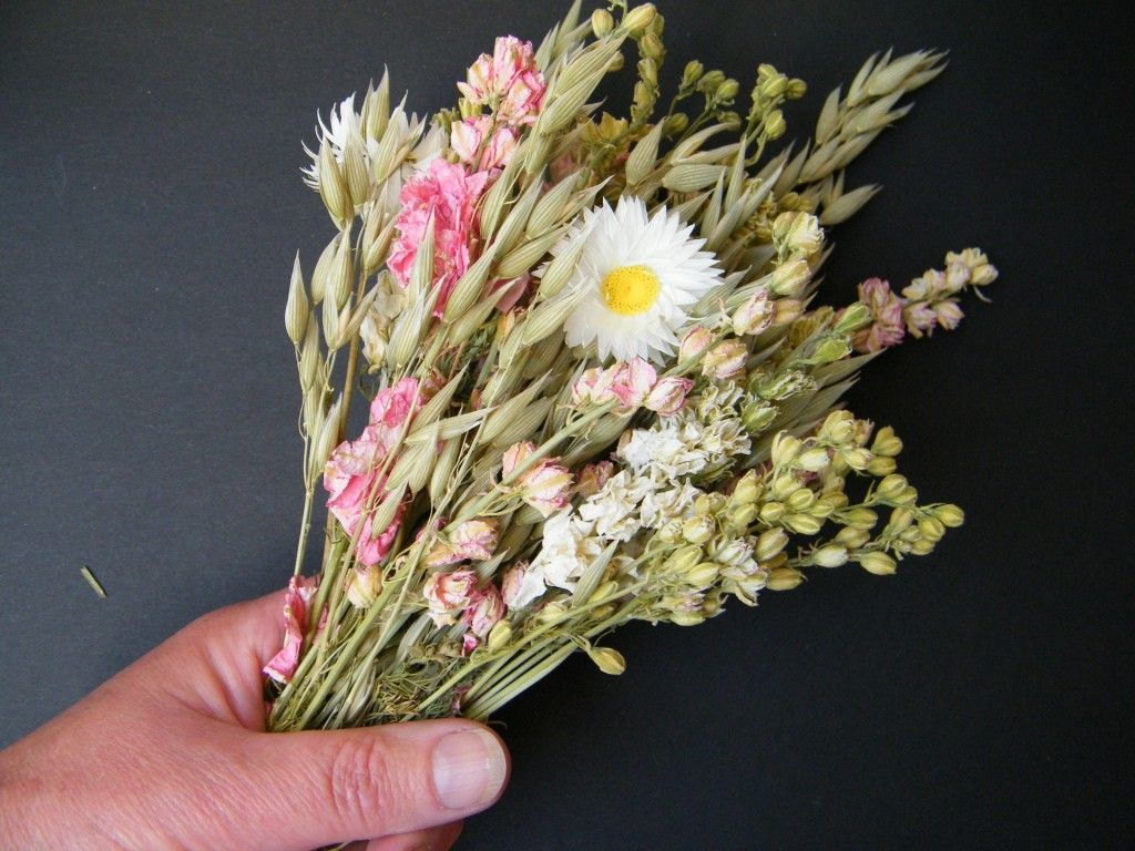 How to make a dried flower bouquet driedflowercraft mothers how to make a dried flower bouquet driedflowercraft izmirmasajfo Images