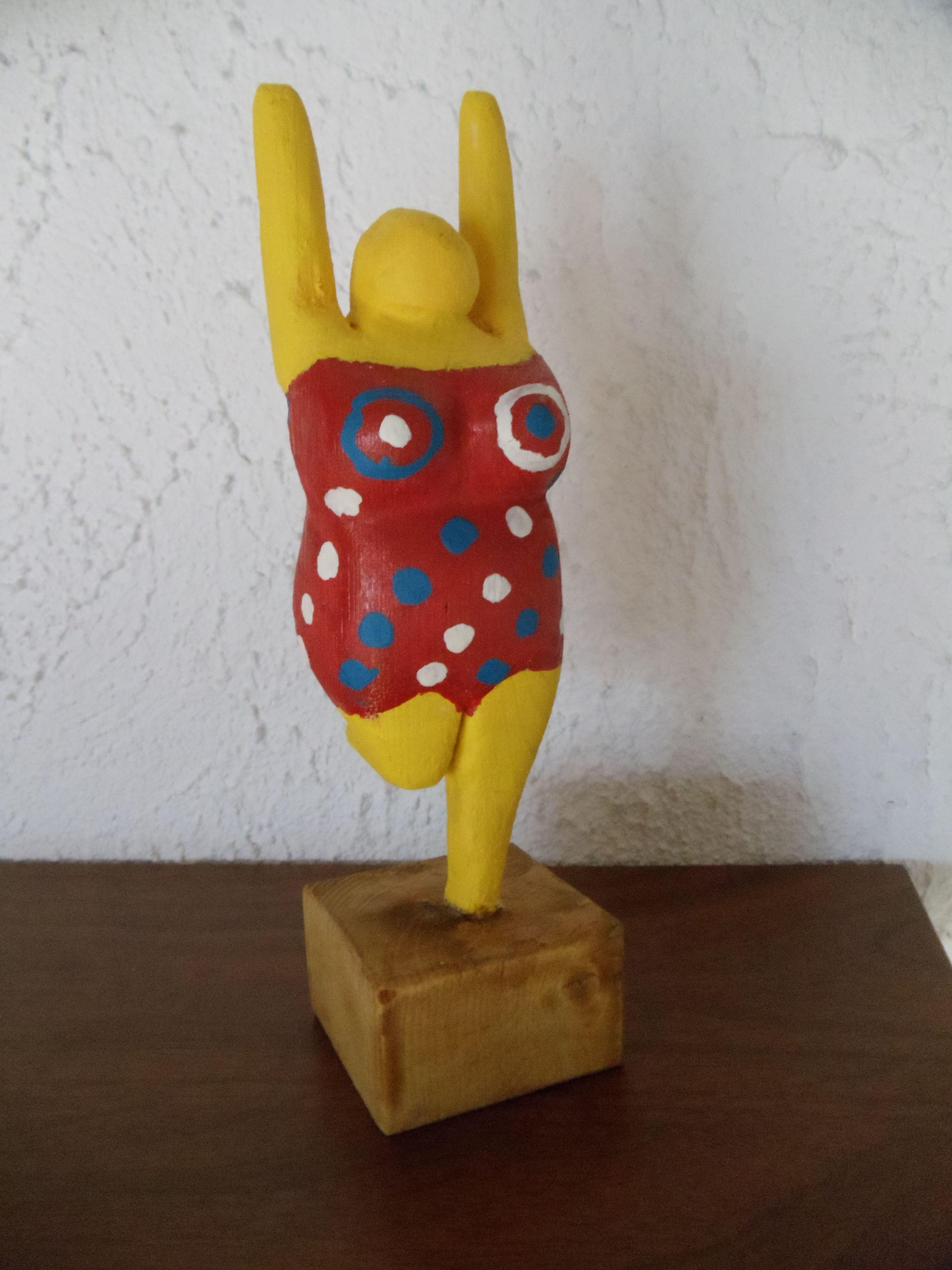 Nana (nach Niki Saint Phalle) | Basteln aus Holz | Pinterest | Holz ...