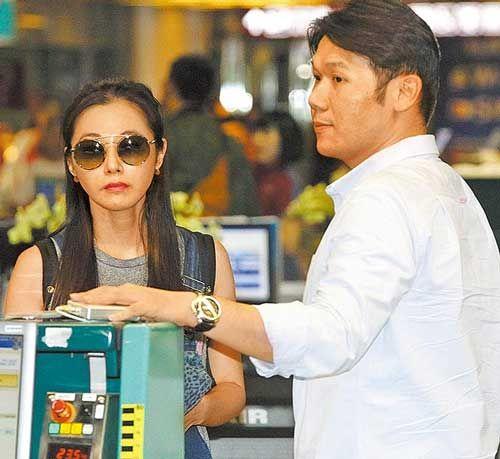 陈怡蓉与未婚夫飞泰国26日清迈举行婚礼 - 搜狐