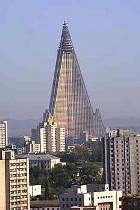 El Hotel Ryugyong, en la capital de Corea del Norte, es el décimo edificio más alto del mundo. 105 pisos, 330 metros de altura, más de 3.000...