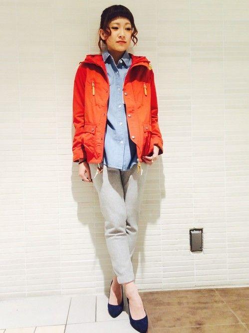 1点だけ派手な配色◎ <秋冬ファッション マウンテンパーカー・レディース>