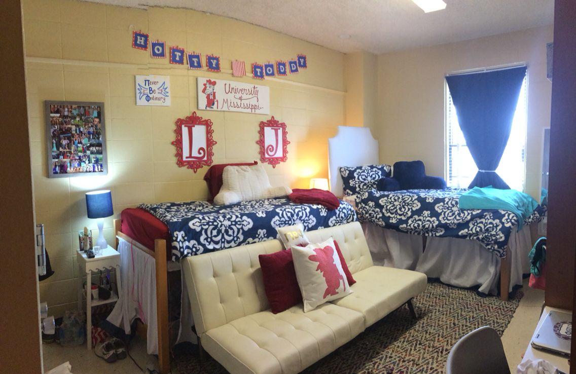 Ole Miss Dorm Crosby Corner Room Ole Miss Dorm Rooms Girls Dorm Room Dorm Bedroom