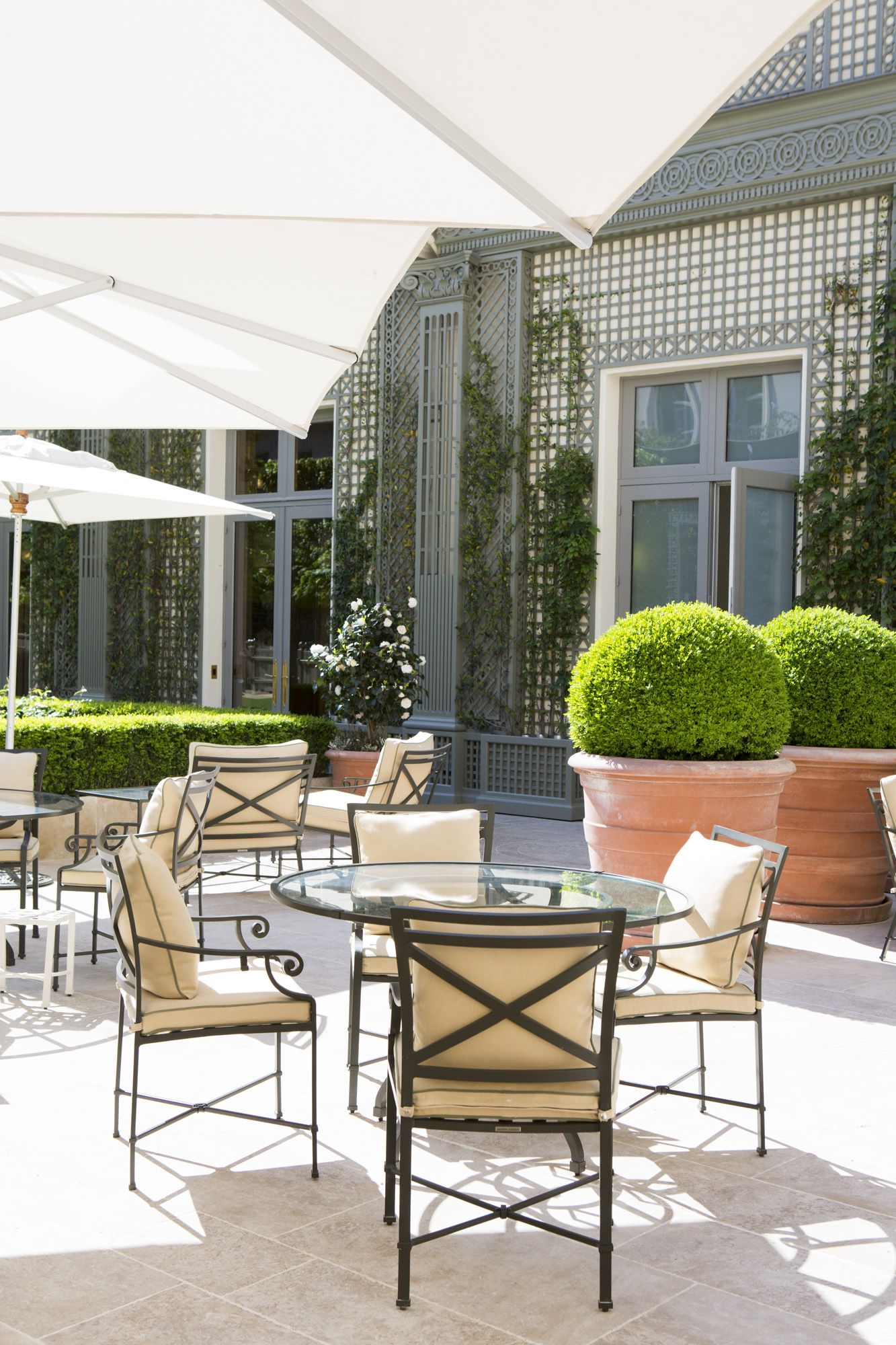 Pin by Ritz Paris on The Grand Jardin in 2019 | Patio ...